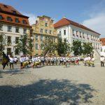 Begrüßung auf dem Karlsplatz